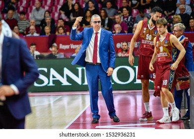 Venezia, Italy, October 15 2019 Walter DE RAFFAELE Coach of Umana Reyer Venezia , Italy,  during Umana Reyer Venezia vs Tofas Bursa Basketball EuroCup Championship