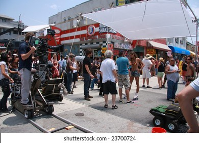 Venice Beach, Los Angeles - 17 July 2008. Filming of the hit TV show Californication staring David Duchovny
