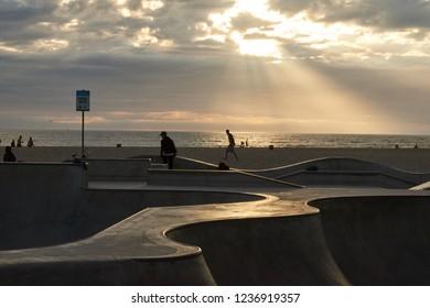 Venice Beach, Los Angeles, California/Usa 09/30/2018 Venice Beach's Skate Park