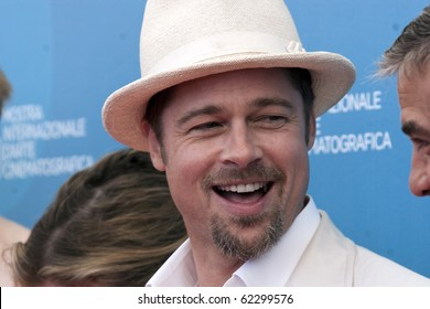VENICE, ITALY - AUGUST 27: Actor Brad Pitt during the 'Burn After Reading' Photocall, part of the 65th Venice Film Festival at Palazzo del Casino on August 27, 2008 in Venice, Italy