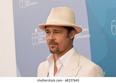 VENICE, ITALY - AUGUST 27: Actor Brad Pitt during the 'Burn After Reading' Photo call, part of the 65th Venice Film Festival at Palazzo del Casino on August 27, 2008 in Venice, Italy