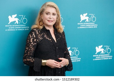"""VENICE, ITALY - AUGUST 28: Catherine Deneuve attends the photo-call for the movie """"La Vérité"""" during the 76th Venice Film Festival on August 28, 2019 in Venice, Italy"""