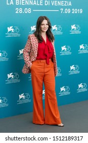"""VENICE, ITALY - AUGUST 28: Juliette Binoche attends the photo-call for the movie """"La Vérité"""" during the 76th Venice Film Festival on August 28, 2019 in Venice, Italy"""