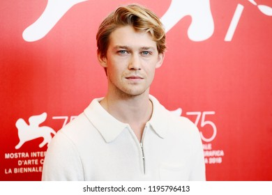 VENICE, ITALY - AUGUST 30: Joe Alwyn attends 'The Favourite' photo-call during the 75th Venice Film Festival on August 30, 2018 in Venice, Italy.