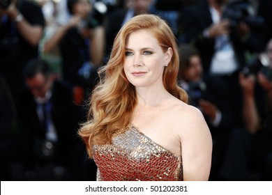 VENICE, ITALY - SEPTEMBER 02: Amy Adams attends the premiere of 'Nocturnal Animals' during the 73rd Venice Film Festival on September 2, 2016 in Venice, Italy