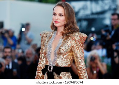 VENICE, ITALY - SEPTEMBER 04: Natalie Portman walks the red carpet of the movie 'Vox Lux' during the 75th Venice Film Festival on September 4, 2018 in Venice, Italy.