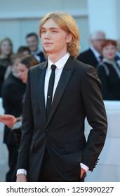 VENICE, ITALY - SEPTEMBER 09: Charlie Plummer arrives at the Award Ceremony during the 74th Venice Film Festival at Sala Grande on September 9, 2017 in Venice, Italy