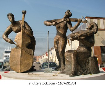 VENICE, ITALY-OCT. 12, 2008:  Sculpture, created by Gianni Arico,  outside the maritime station celebrates  the baroque musical composer, Antonio Vivaldi, who was born in the city in 1678.