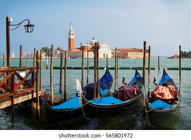 Venice. The main attraction of the island is the Cathedral of St. Giorgio . Gorgeous combination of brick-red Basilica and the colors white stone, which decorated the facade.