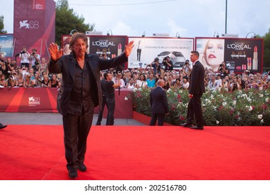 VENICE - SEPTEMBER 04: Actor and director Al Pacino on red carpet before premiere of  'Wilde Salome' directed by Al Pacino during the 68th Venice Film Festival on September 11, 2011 in Venice, Italy