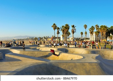 VENICE, US - OCTOBER 16: Skatepark of Venice Beach on October 16, 2011 in Venice, US. This skatepark, with pool, ramps, stair set and flow bowls, celebrated its second anniversary on October 3, 2011