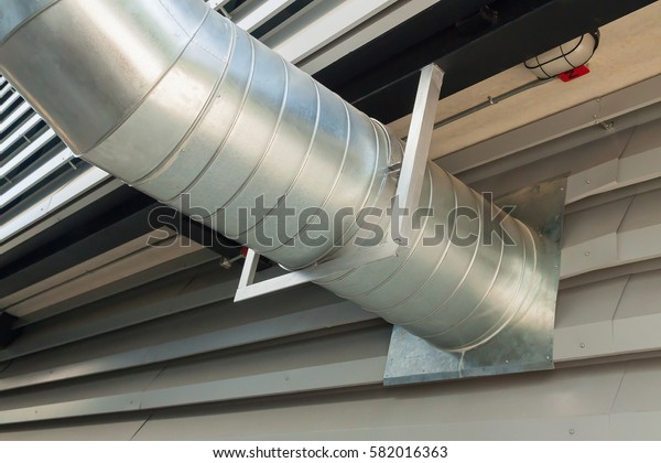 Ventilation duct in building