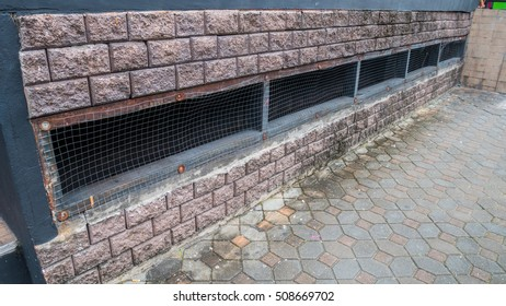 Vents for hot air in the wall