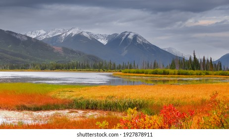 Vermilion lakes in autumn time at Banff national park