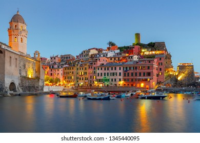 Vernazza. The old harbor at night.