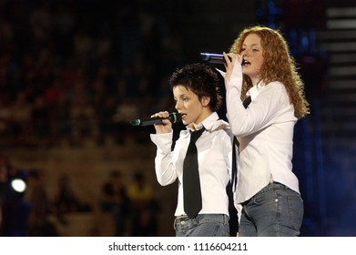 "Verona  Italy  07 September 2002 , Final of the ""Festivalbar 2002"" at the Arena of Verona : The singers of the group Tatu, Lena Katina and Julia Volkova, during the show"