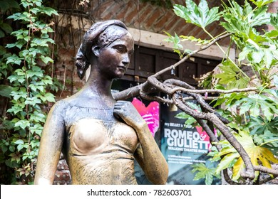 VERONA, ITALY - August 10, 2017: Statue of Juliet from the tragedy Romeo and Juliet written by William Shakespeare in the Casa di Giulietta, Verona, Italy