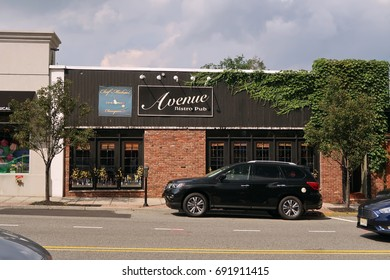 VERONA, NEW JERSEY - AUGUST 3, 2017: Avenue Bistro Pub on Bloomfield Avenue in Verona. Editorial use only.