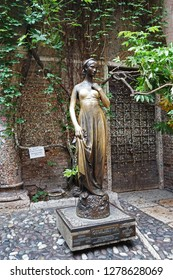 VERONA,ITALY-JULY 30,2018:Bronze statue of Juliet at The house of Romeo and Juliet