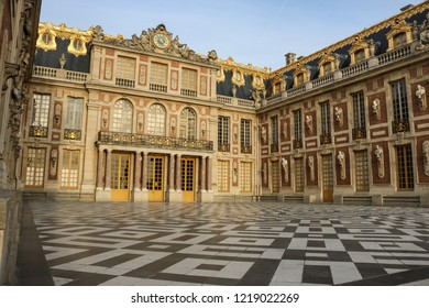 VERSAILLES, FRANCE -23 OCTOBER 2018 : The heart of the facade of the Palace of Versailles - Marble courtyard. Versailles, Paris, France.