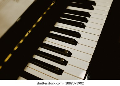 a very detailed closeup of a piano