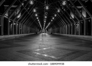 Very long tunnel pedestrian crossing
