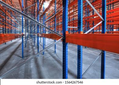 entrepôt de haute baie en acier très récent