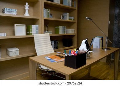 Very pretty modern looking home office