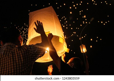 Vesak The Light of Peace. 3000 lantern released on the air.