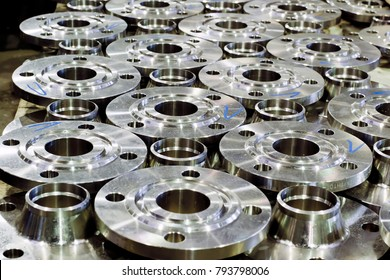 Vessel and apparatus flanges, pipe flanges