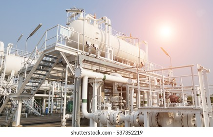 The vessel for separation petroleum into 3 phase including crude oil, produced water and natural gas in onshore area of oil and gas field, petroleum industry.