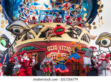 VIAREGGIO, ITALY-JAN.27, 2018: Opening parade of the 145th edition of the carnival  in Viareggio, Italy. The carnival of Viareggio is very popular grand parades of large  floats in papier-maché.