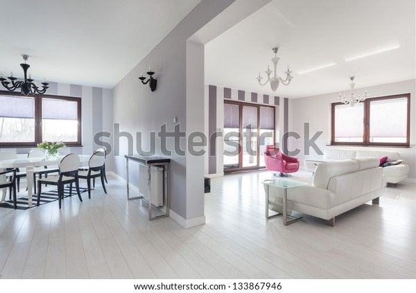 Vibrant cottage - living room and a dining room