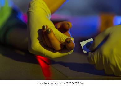 Victim of a crime having taken fingerprint