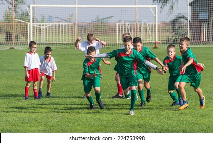 victory on Kids football match