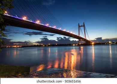 Vidyasagar bridge (setu) on river Hooghly at twilight time.Also known as the second Hooghly bridge it is the longest cable stayed bridge in India.