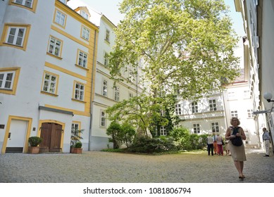 16th Century Houses Images Stock Photos Amp Vectors