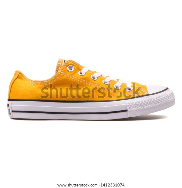 Converse Chuck Taylor All Star Ox Sneaker Orange
