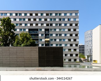 VIENNA, AUSTRIA - AUGUST 25, 2015: Residential Buildings In Donau City, The New Part Of Vienna's 22nd District Donaustadt.