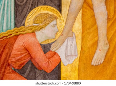 VIENNA, AUSTRIA - FEBRUARY 17, 2014: Mary Magdalen. Detail from Deposition of the cross scene over st. John of the Cross side altar by P. Verkade (1927) in Carmelites church in Dobling.