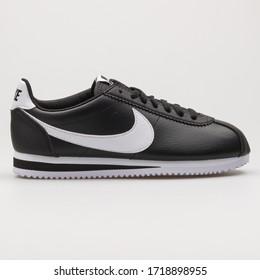 Nike Cortez Imágenes Fotos De Stock Y Vectores Shutterstock