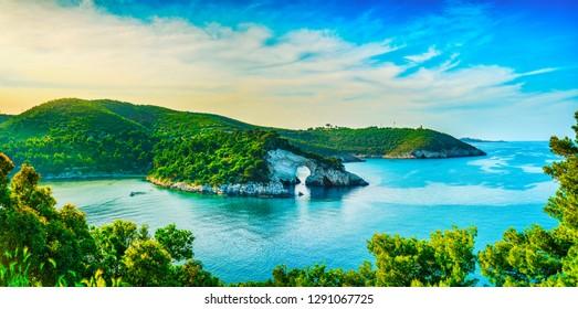 Vieste, San Felice arch rock bay, Gargano peninsula, Apulia, southern Italy, Europe.