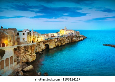 Vieste town on the rocks, Gargano peninsula, Apulia, southern Italy, Europe.