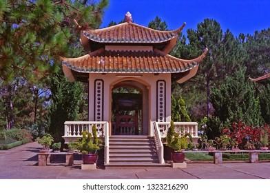 Vietnam, Da Lat, Truc Lam, Thien vien Truc Lam, Buddhist temple.