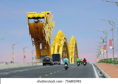 Vietnam. Danang. Dragon Bridge. This beautiful bridge, structural elements which made the fire-breathing dragon serves as a ferry across the river, in da Nang city in Vietnam.