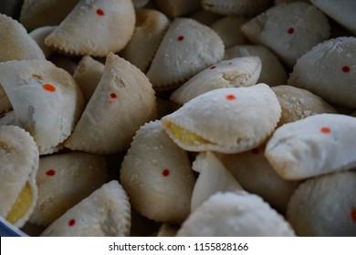 Vietnamese Crispy Dumplings - banh quai vac or banh xep ngot. It resembles a pillow, Bánh xep as how it is folded, and Bánh quai vạc as it looks like the handle of an ancient bronze cauldron.