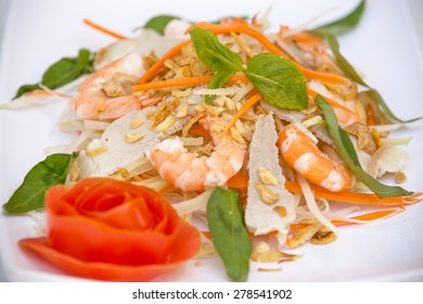 Vietnamese Cuisine - Fresh Salad with Prawns and Pork (Goi Tom Thit)