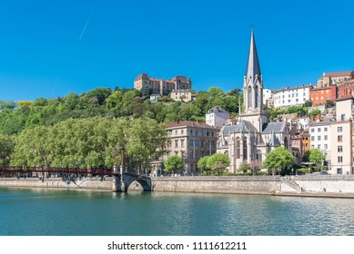 Vieux-Lyon, Saint-Georges church on the quay, colorful houses in the center
