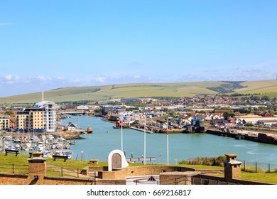 View across Newhaven Harbour from the Fort