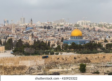 View of the Al-Aqsa Mosque (aka Bayt al-Muqaddas) and the old town of Jerusalem from the Mount of Olives (Jerusalem, Israel)